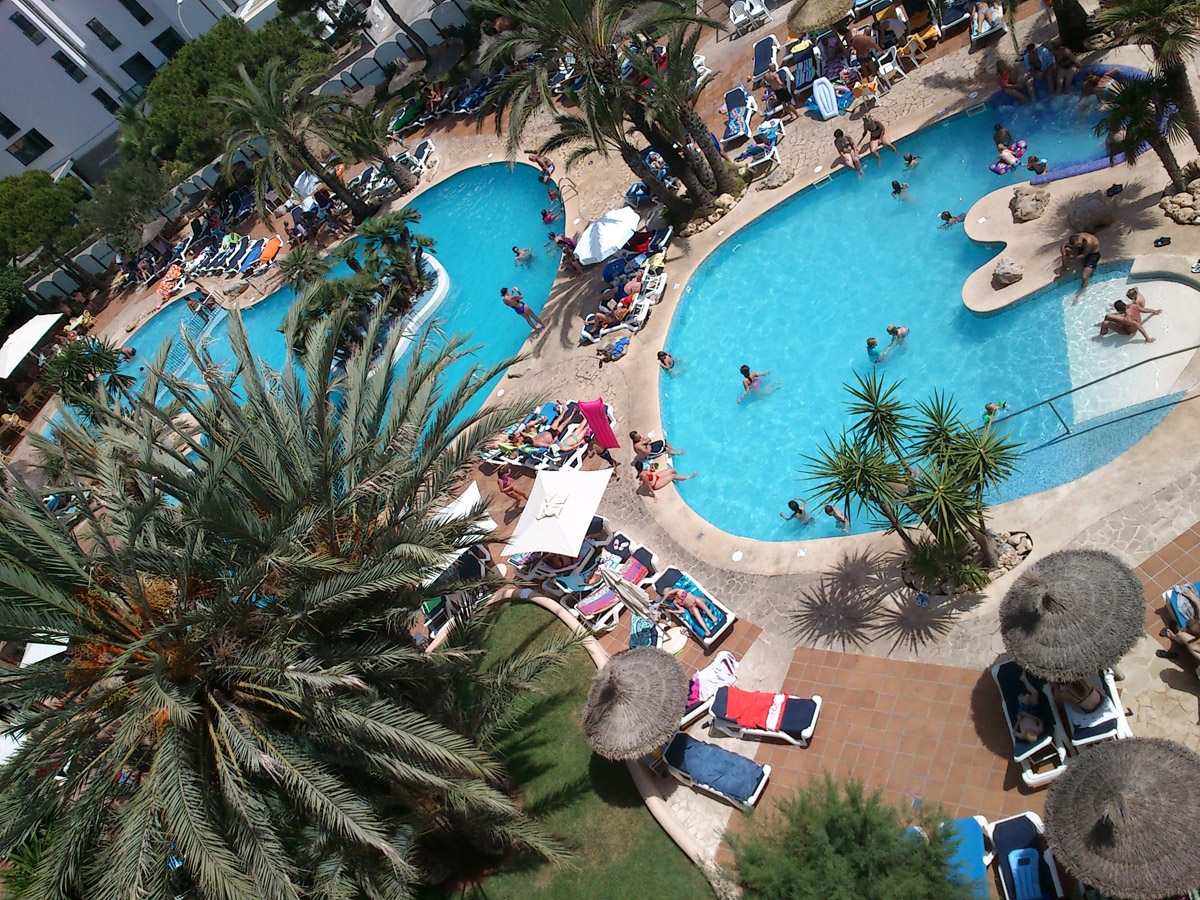 Sommerferie pool.JPG